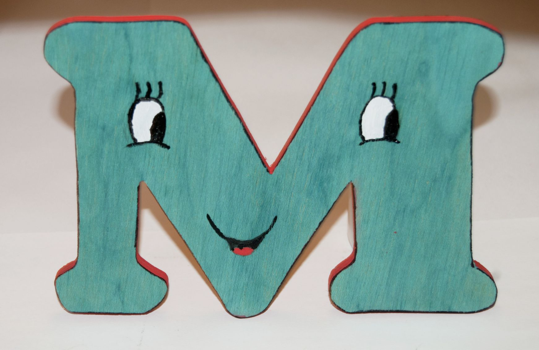 Letra madera. wooden letter