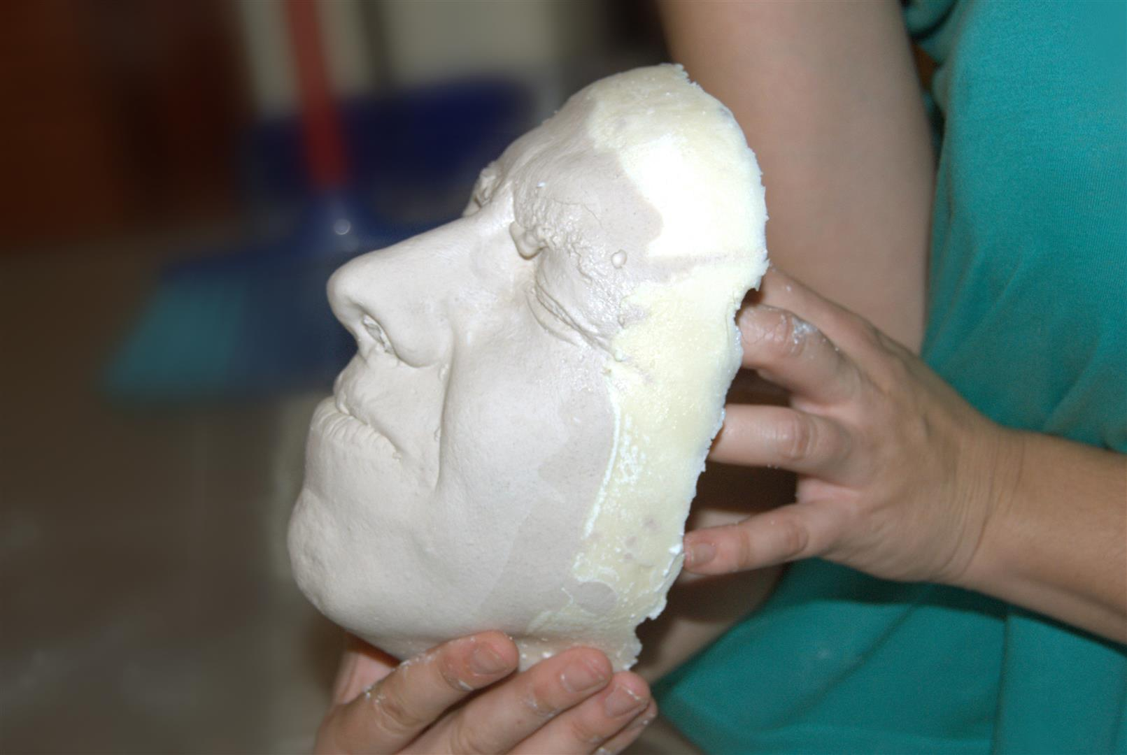 Molde cara, alginato, escayola. face mould, alginate, plaster.